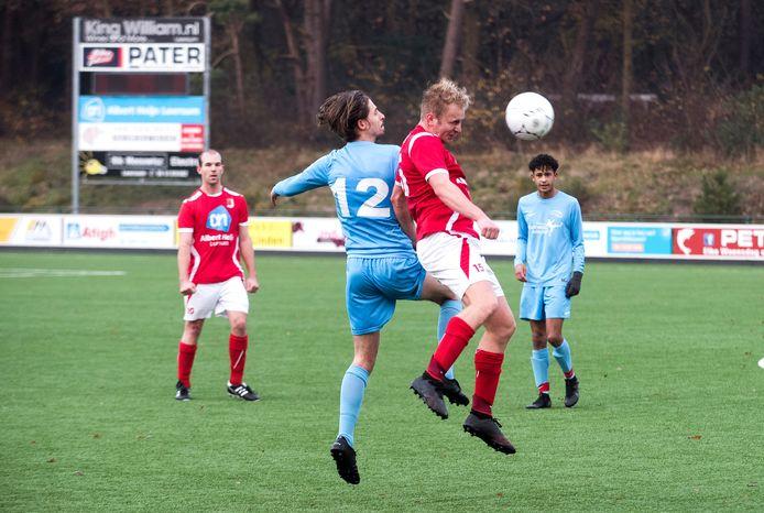 HDS, in het rode tenue, speelt volgend seizoen niet meer op zondag maar op zaterdag.