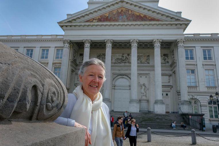 Voorzitster Cécile aan de Sint-Jacobskerk, waar het koor wél welkom is.