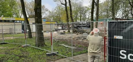 In ruïne veranderde Apeldoornse school trekt veel bekijks: 'Dit kun je die kinderen toch niet aandoen!'