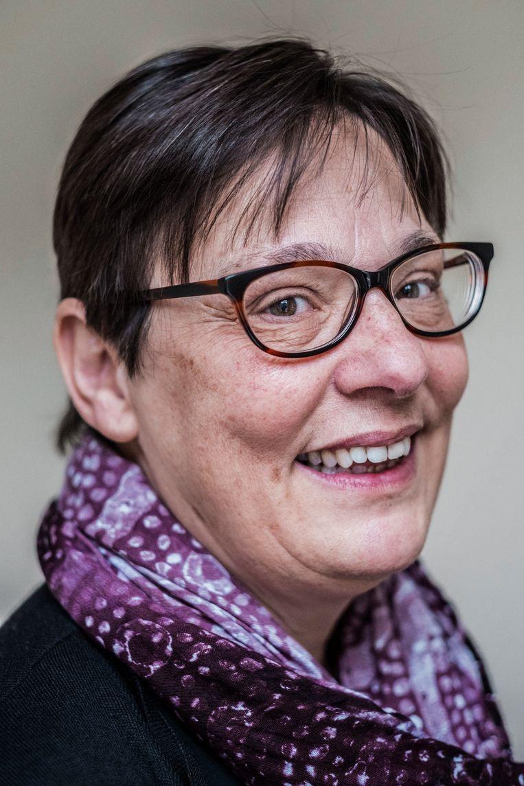 Mieke Beckers, coördinatrice Intercultureel Vrouwencentrum in Antwerpen: 'Eerlijk: ik heb hier nog geen énkele moeder gezien die niet het beste wil voor haar kind. Ze zijn allemaal betrokken. Vraag het hen zelf.' Beeld Jonas Lampens