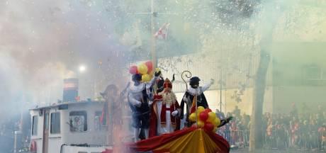 Uitbundig Sinterklaasfeest in Veghel met allerlei pieten