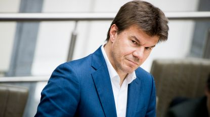 """Minister Gatz over politie-inval bij kunstenhuis voor vluchtelingen: """"Men is hier over de schreef gegaan"""""""