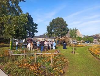 """Onverhard pleintje in de Eduard Neelemanslaan geopend: """"Win-winsituatie voor zowel buurt als natuur"""""""