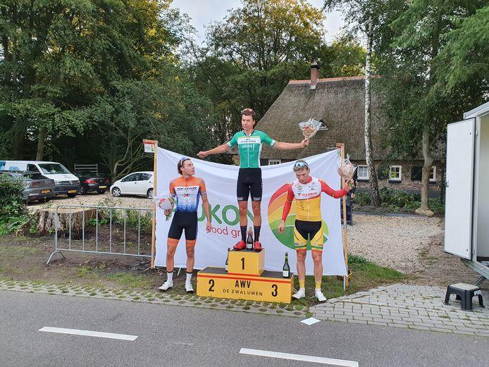 Patrick Coster wint de Ronde van Goor. Hij hield Bastiaan de Blom en Jelle Wolsink achter zich.