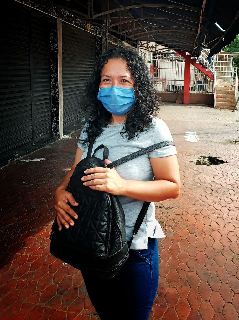 Luz Marina, yang memprotes ketidaksetaraan dan ketidakamanan, memiliki kontrak berupah rendah yang fleksibel.  Gambar oleh Juste de Vries