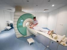 Huilende ouderen zijn blij dat MRI-scan weer in Emmeloord kan