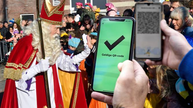Sinterklaasintocht in Amersfoort plots op losse schroeven: is die QR-code nou wel of niet nodig?
