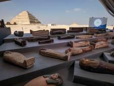 """Le plus grand """"trésor"""": l'Égypte dévoile 100 sarcophages vieux de 2.000 ans en parfait état"""