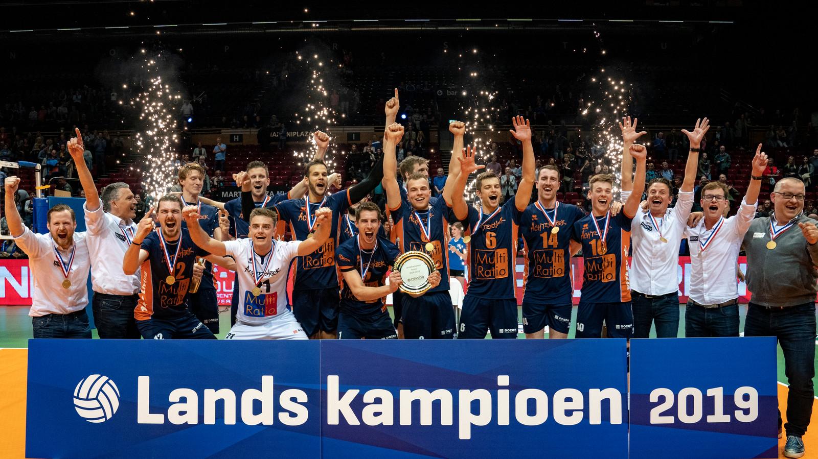 Achterhoek Orion werd zondag volleybalkampioen van Nederland. Foto Ronald Hoogendoorn