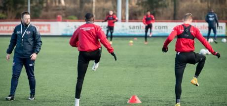 Trainen met z'n tweetjes, elke dag: Jeugd FC Twente/Heracles mist de wedstrijden