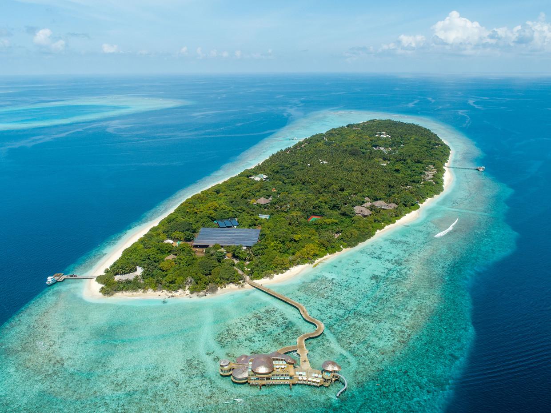 Soneva Fushi, een luxeresort op de Malediven. Dat in zulke paradijselijke oorden muggen de rust serieus kunnen verstoren is op beelden als deze nooit te zien. Op Soneva Fushi is dat ook niet langer het geval, daar hebben ze de populaties uitgeroeid. Beeld Soneva