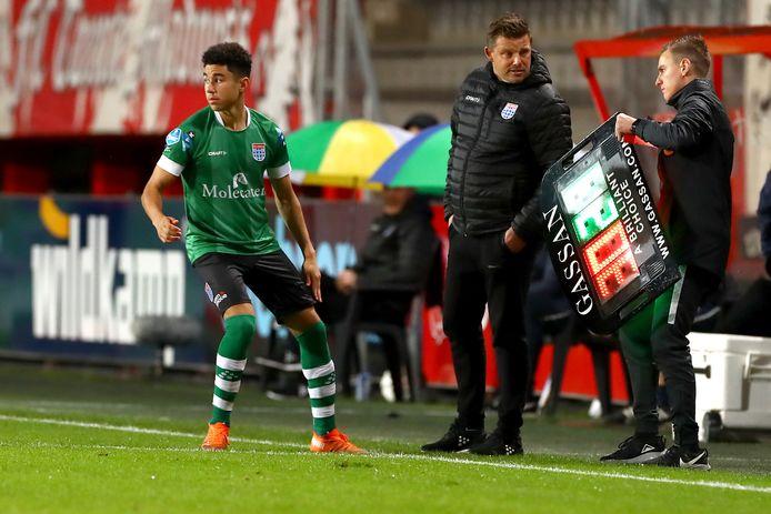 Samir Lagsir maakt zijn debuut tegen FC Twente (1-5). Van het Zwolse talent is vanaf zijn vijftiende data beschikbaar, van Rav van den Berg zelf al vanaf zijn veertiende.