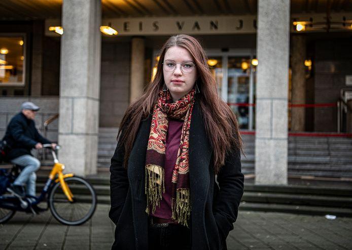 Maria spande een rechtszaak aan tegen ziekenhuis Rijnstate om de identiteit van haar anonieme donorvader vrij te geven.