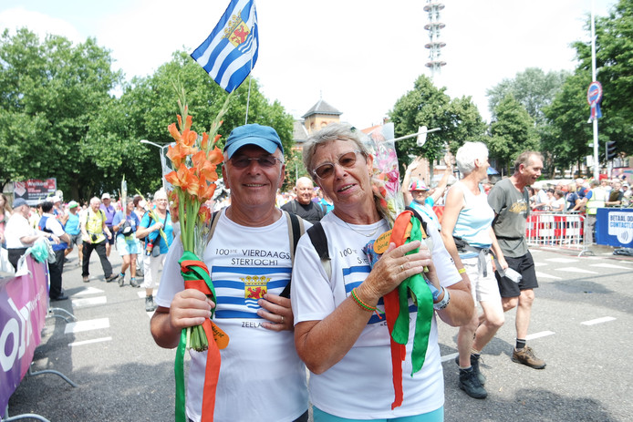 Wim 71 jr en Helma 70 jr Wondergem uit Kruiningen 30 km.
