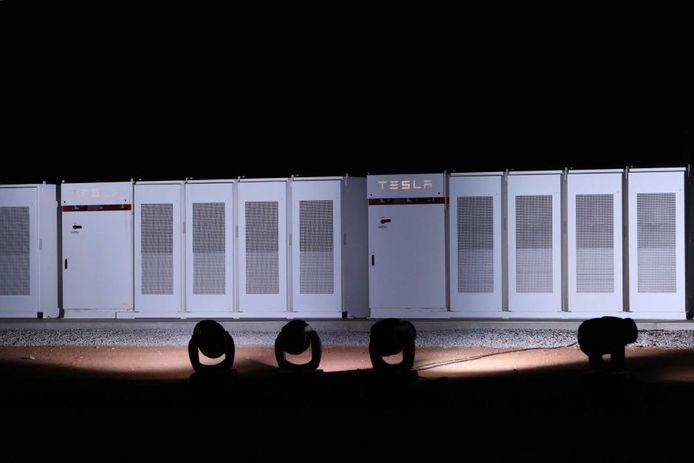 Tesla zegt dat het met de megabatterij het elektriciteitsnetwerk in Zuid-Australië stabiliseert.
