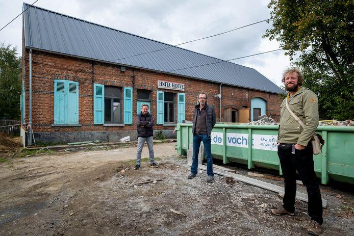 Lieven Lambrechts, Bert Van Roy en Gert De Bie van de vzw aan de Hnitahoeve in Heist-op-den-Berg.