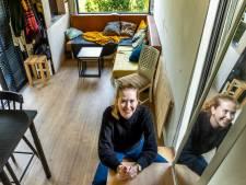 Anette (25) en haar vriend wonen heerlijk in tiny house van 25 vierkante meter: 'Over vier jaar hypotheekvrij'