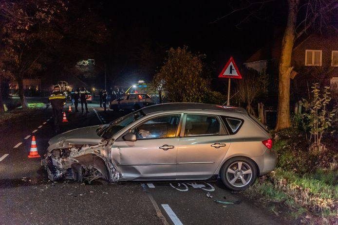 De auto berokkende veel schade.