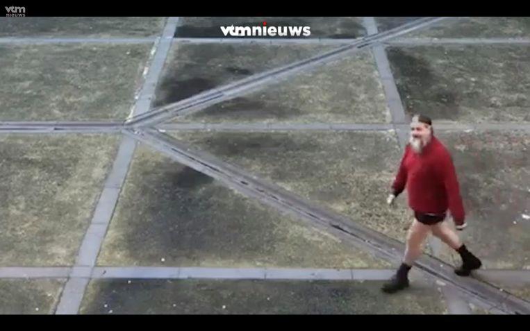 Dutroux, 63 inmiddels, in de gevangenis van Nijvel in mei. 'Het is niet het in de gevangenis zitten dat het ergste is. Het ergste is om ergens onterecht voor op te draaien.'  Beeld VTM Nieuws