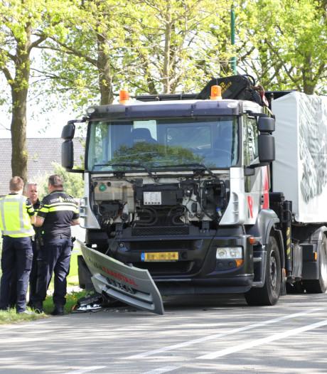 Dode bij aanrijding met vrachtwagen op N225 bij Rhenen