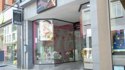 """Bonte sluit nu ook tweede nagelstudio op Leuvensestraat: """"Opnieuw sterke aanwijzingen van mensenhandel"""""""