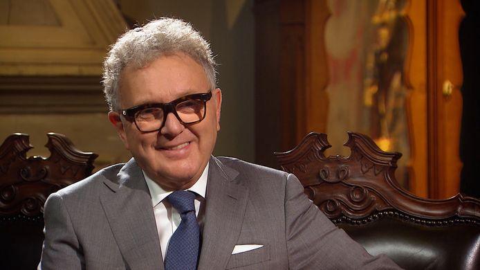 Paul De Grande is regelmatig op VIER te zien als kunstkenner in het programma Stukken van Mensen.