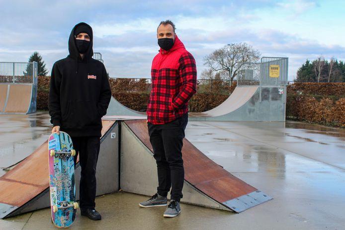 Tommy Crabbe en Ax'l Bardiau aan het skatepark van Gooik.