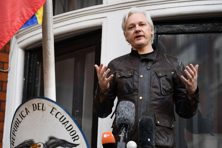 Assange verbleef noodgedwongen zeven jaar in de ambassade van Ecuador in Londen. Beeld AFP