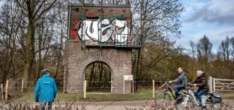 Clubliefde is mooi, maar schoonmaken historisch transformatorhuisje in Ooij kost 4 mille: 'Onze begroting is al niet florissant'