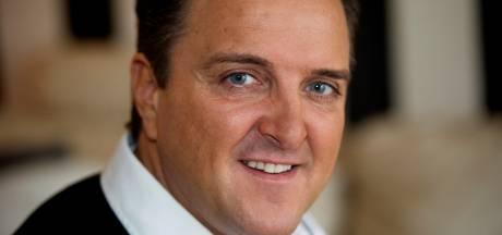 Cel- en taakstraf voor volkszanger Mick Harren na bedreiging oud-stiefzoon