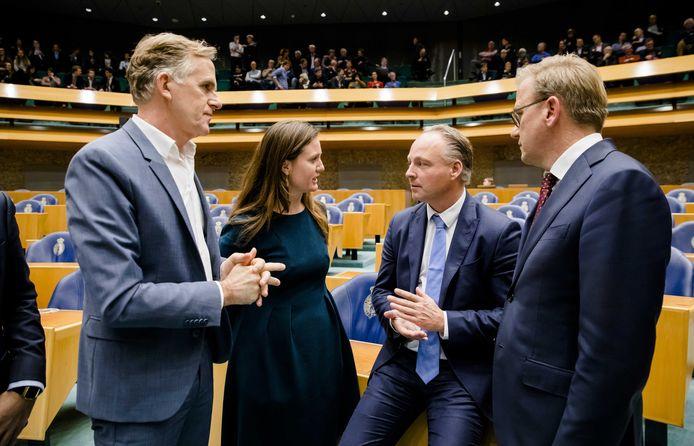 Tweede Kamerlid Suzanne Kröger (GroenLinks), tweede van links.