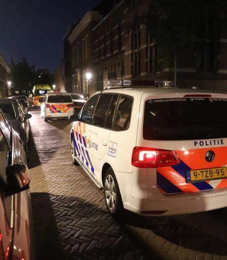 Steekpartij in Da Costastraat, politie zoekt naar vrouwelijke verdachte