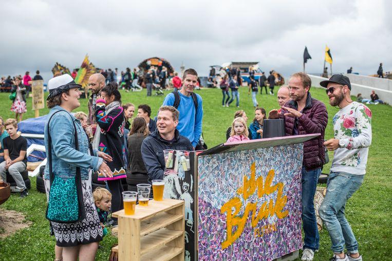 2015: Festival The Brave in Tuinen van West. Het stadsbestuur wil er weer dancefestivals toestaan, waar dat de afgelopen jaren niet mocht.  Beeld Eva Plevier