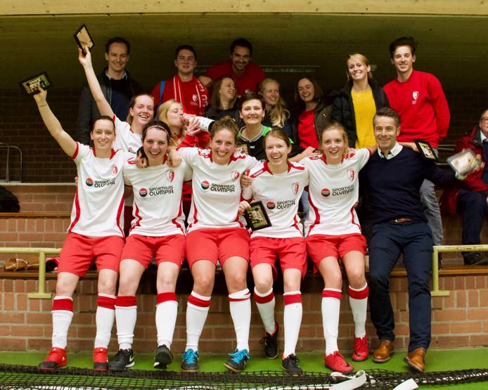 De zaalvoetbalsters van Totelos werden drie weken geleden kampioen in de Hoofdklasse.