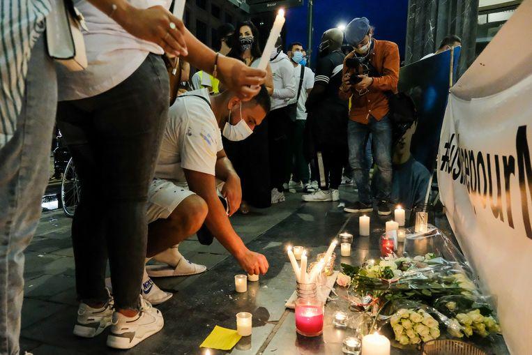De herdenking voor Mehdi, de jongen van zeventien die werd aangereden door een Brusselse politiewagen. Beeld Marc Baert
