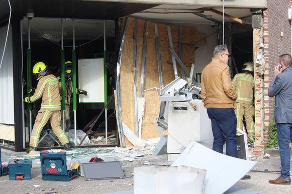 Brandweerpost Bree kwam het gebouw inspecteren op instortingsgevaar.