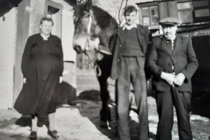 Uit de oude doos: grootmoeder Clémence Rasschaert, vader August De Rick en grootvader Evarist De Rick.