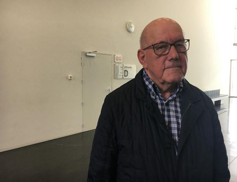 Lucien Carron (86) op de rechtbank voor het proces tegen de trucker die zijn schoonbroer en zus aanreed.