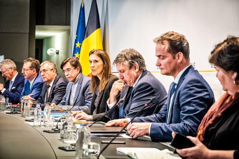 pc corona De persconferentie na de bijeenkomst van de Nationale Veiligheidsraad. Beeld Tim Dirven