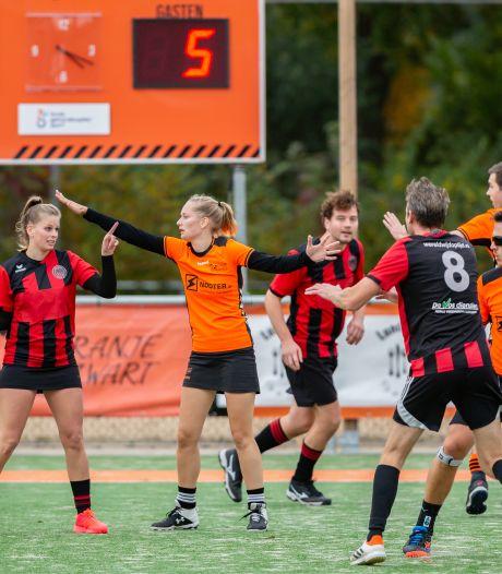 Korfballers Oranje Zwart ondanks martelgang bijna herfstkampioen