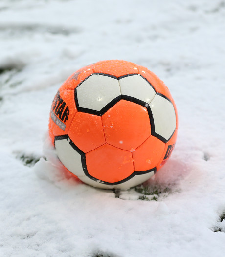 Voetbalwedstrijden afgelast vanwege winterweer