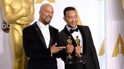 Indrukwekkend moment: John Legend en Common brengen Oscarwinnende song 'Glory'