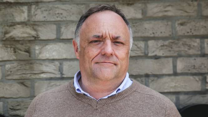 """Marc Van Ranst: """"Onder de waterspiegel zijn varianten zich aan het vermenigvuldigen"""""""