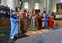 De Armeens apostolische gemeenschap heeft al vieringen in de kerk.