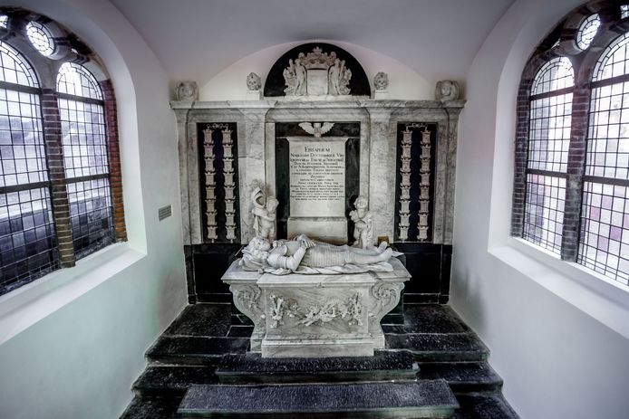 Het grafmonument van ambachtsheer Hieronymus van Tuyll van Serooskerke, dat in de kerk in Stavenisse staat.