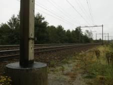 'Spoorpaal met kogelgaten van treinkaping is rijksmonument'