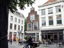 Onbegrip bij Bredase broodjeszaak: deuren moeten eerder dicht, verkoop op losse schroeven