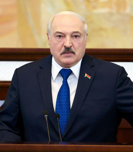 Loekasjenko: 'Vlieg maar over gebied waar 300 mensen omgekomen zijn'