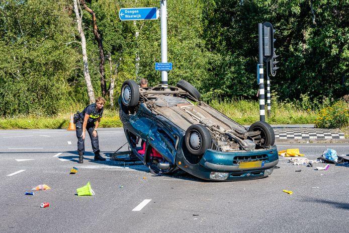 Het ongeluk gebeurde op de kruising van de Burgemeester Baron van Voorst tot Voorstweg met de Huibevendreef in Tilburg.