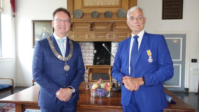 Koninklijke verrassing op de maandagmiddag voor IJsselsteinse docent Ed: hij krijgt een lintje